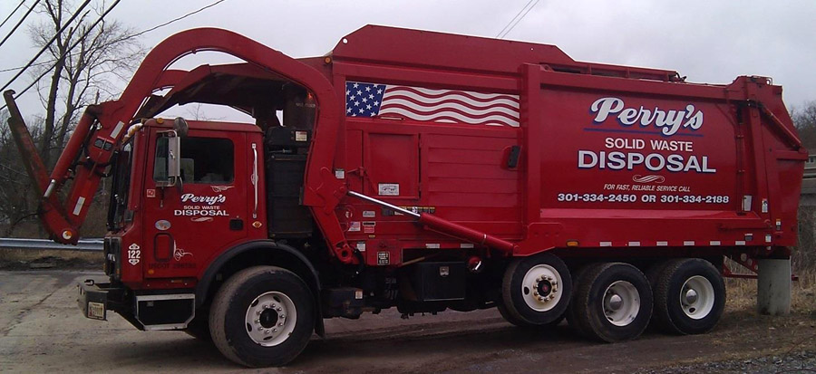 Front-load garbage truck