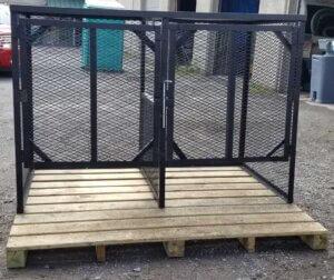 Metal Bear Resistant toter Enclosure